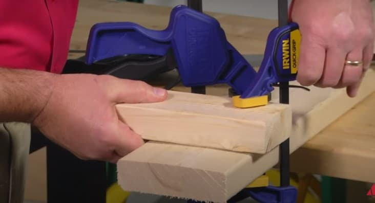 How to cut wood with a saw